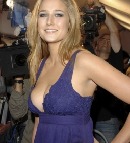 leeleesobieski redcarpet cleavage blonde 11